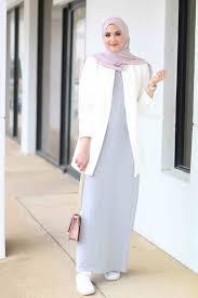 فساتين 2019 للمحجبات , اجمل تصميم سادة لفستان المحجبة