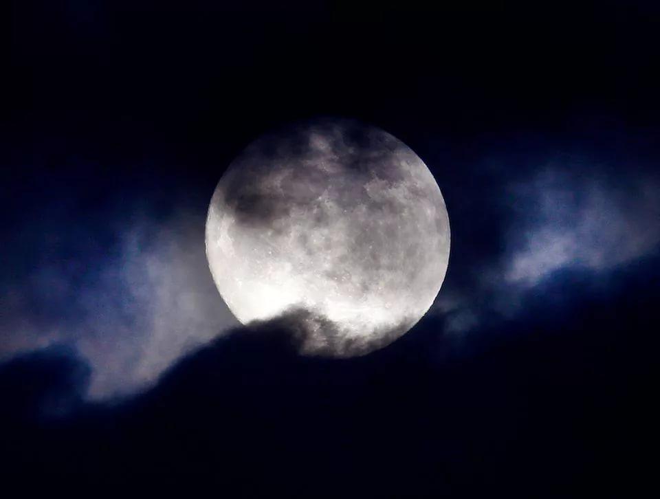 بالصور صور للقمر , احلى الصور لمراحل تكون القمر 2945 6