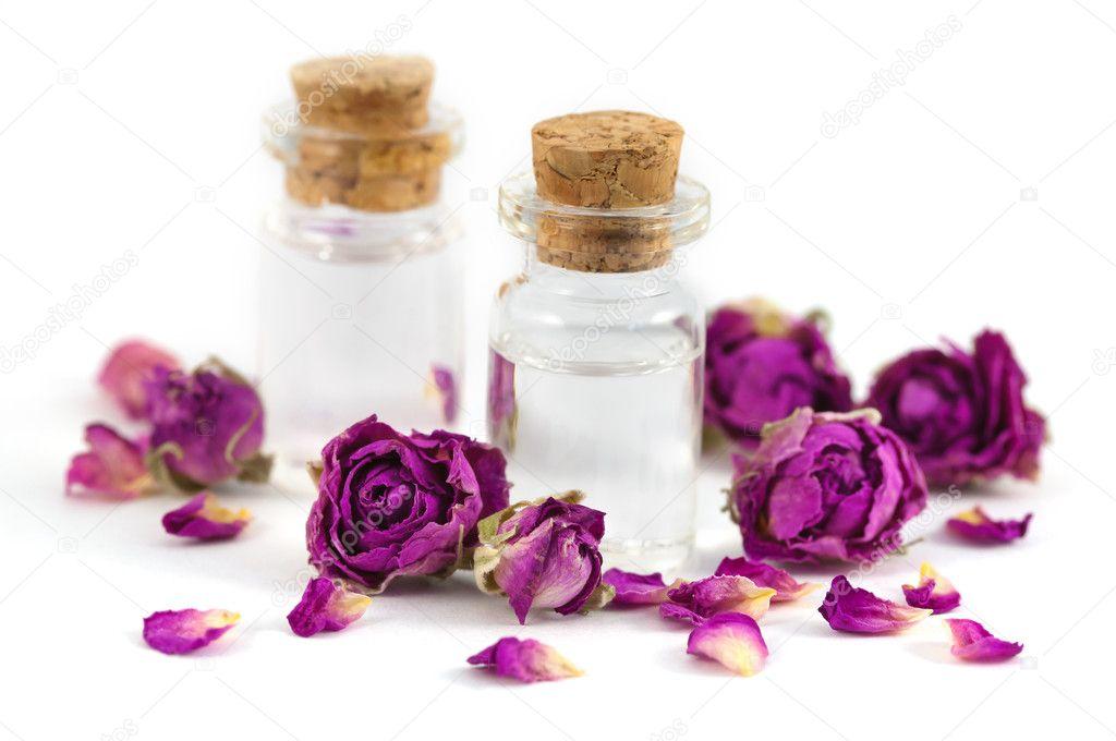 صورة استخدامات ماء الورد , ما هى استخدامات ماء الورد للبشرة