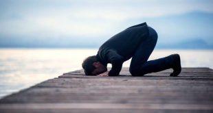 صوره هل يجوز الصلاة بالحذاء , ماحكم الدين في ارتداء الحذاء اثناء الصلاة