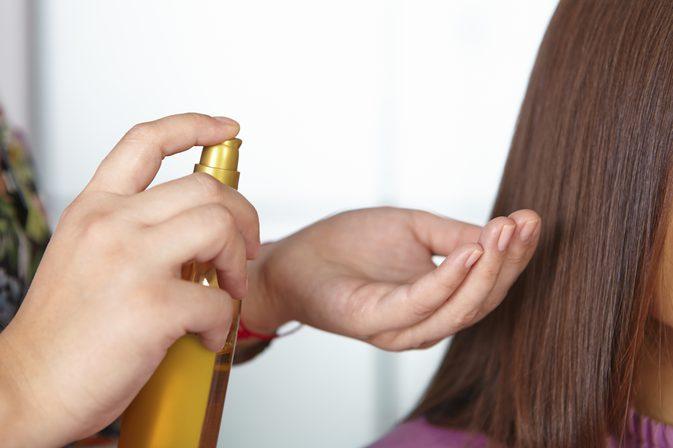 صور زيت لتكثيف الشعر , افضل 3 زيوت لنمو الشعر وملئ الفراغات