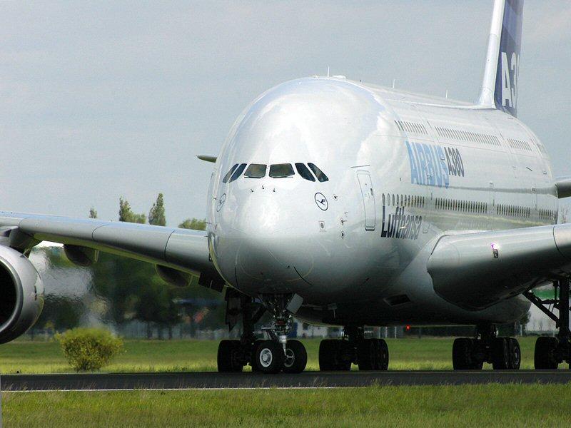بالصور اكبر طائرة في العالم , صور احدث الطائرات واكبرها فى العالم 722 8