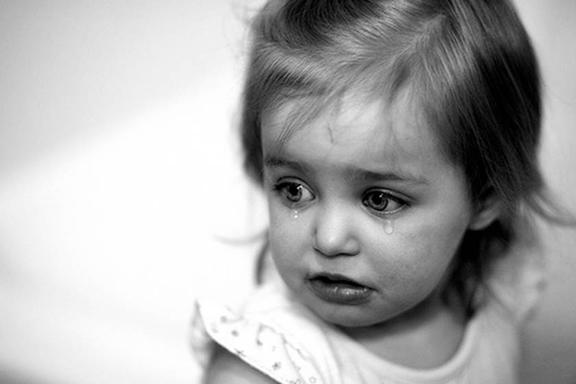 بالصور طفلة تبكي , صور اطفال حزينه مؤثره 781 17