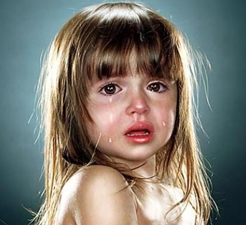 بالصور طفلة تبكي , صور اطفال حزينه مؤثره 781 2
