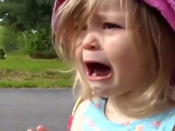 بالصور طفلة تبكي , صور اطفال حزينه مؤثره 781 5