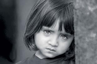 صور صور اطفال حزينه , صور طفلة حزينه مؤثره جدا