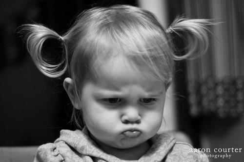 بالصور صور اطفال حزينه , صور طفلة حزينه مؤثره جدا 844 1