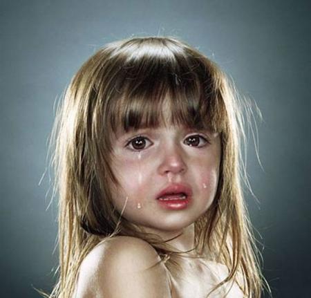 بالصور صور اطفال حزينه , صور طفلة حزينه مؤثره جدا 844 2