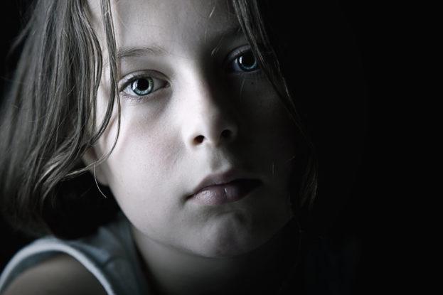 بالصور صور اطفال حزينه , صور طفلة حزينه مؤثره جدا 844 5