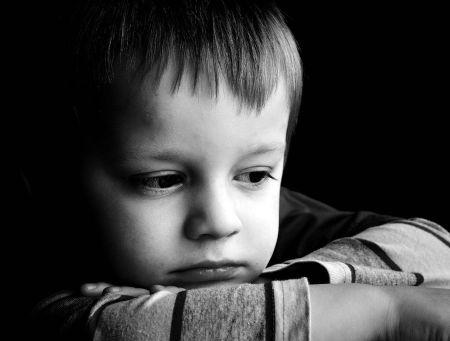 بالصور صور اطفال حزينه , صور طفلة حزينه مؤثره جدا 844 6