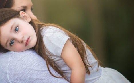 بالصور صور اطفال حزينه , صور طفلة حزينه مؤثره جدا 844 9