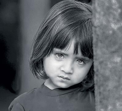 صوره صور اطفال حزينه , صور طفلة حزينه مؤثره جدا