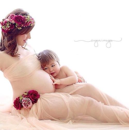 بالصور صور نساء حوامل , اجمل صورة معبرة عن المراه الحامل 986 3