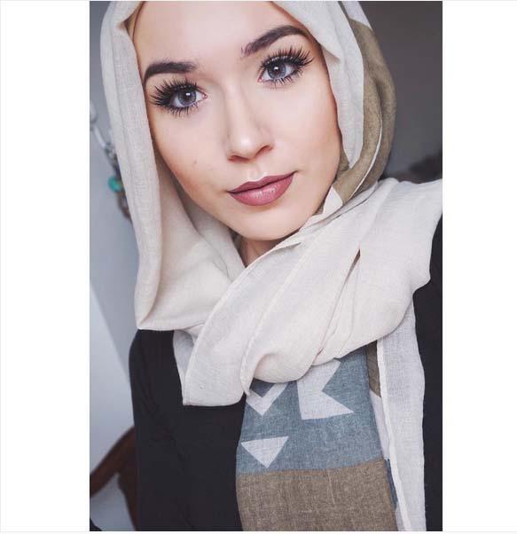 بالصور صور اجمل فتيات , خلفية ليكي ياجميلة بالحجاب 1267 3