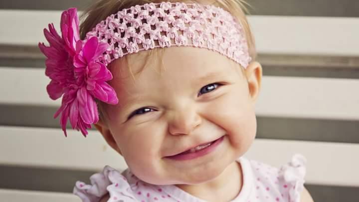 بالصور صور بنات بتضحك , اجمل صور دلع وضحك بنات صغيرة 1409 5