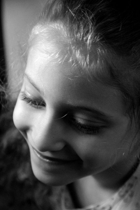 بالصور صور بنات بتضحك , اجمل صور دلع وضحك بنات صغيرة 1409 9