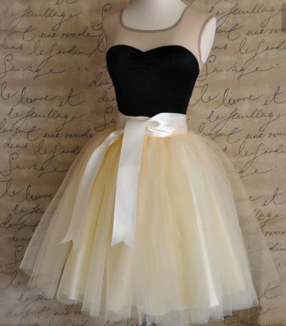 بالصور فساتين قصيرة منفوشة , اجدد فستان منفوش للخطوبه والزفاف