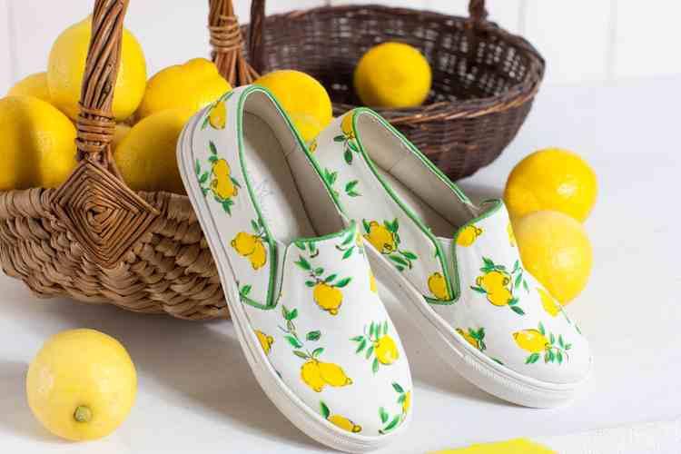 بالصور احذية اطفال بنات , كيف تختارين حذاء طفلك ليتناسب معه 6614 4