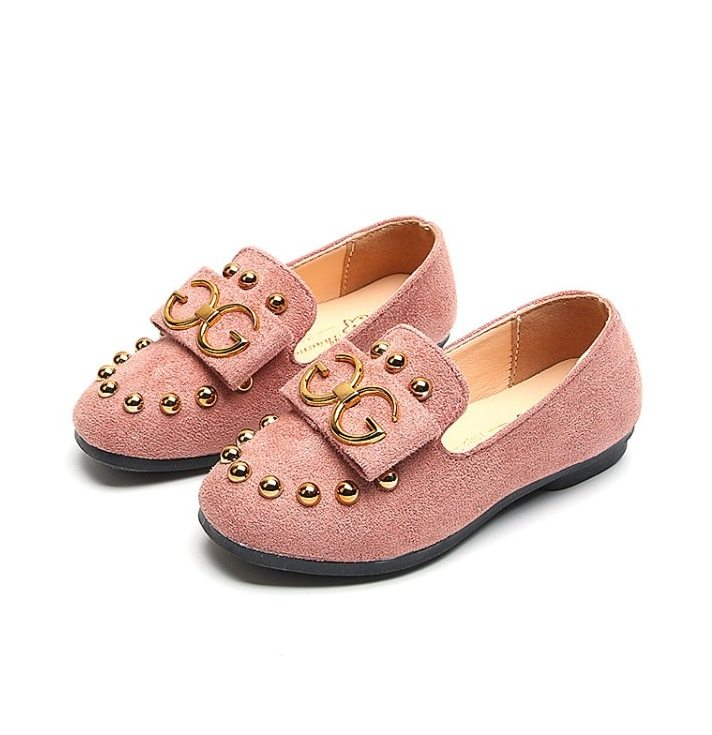 بالصور احذية اطفال بنات , كيف تختارين حذاء طفلك ليتناسب معه 6614 8