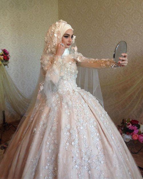 بالصور فساتين زفاف محجبات , ارقي فساتين ليلة العمر للعرائس المحجبات 2075 1