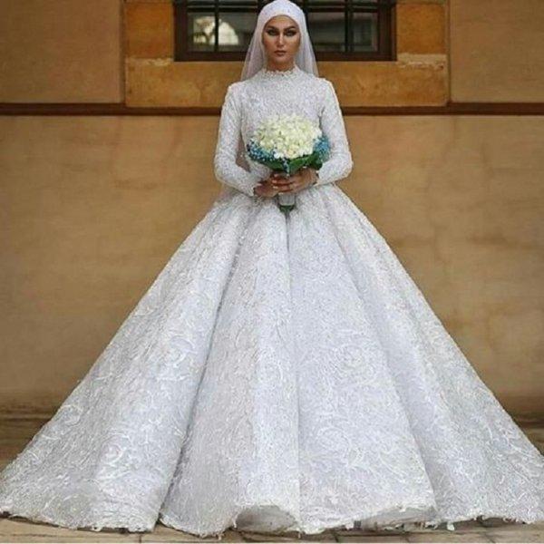 بالصور فساتين زفاف محجبات , ارقي فساتين ليلة العمر للعرائس المحجبات 2075 12