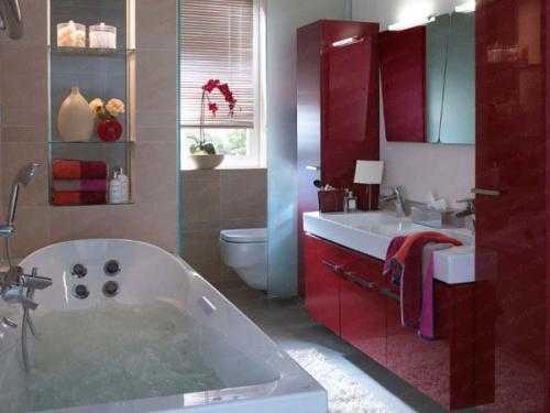 بالصور ديكورات حمامات صغيرة جدا وبسيطة , شاهد تصميمات تتميز بالبساطة للحمامات الضيقة 2467 17
