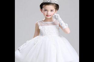 صور فساتين اعراس للاطفال , يستخدم التل في تكوين تنورة الفستان