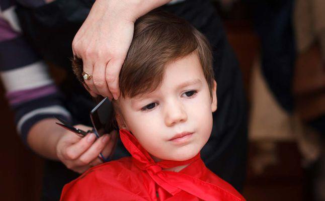 صور قص شعر الاطفال عمر سنه , شعر الاطفال يحظي بعناية خاصة