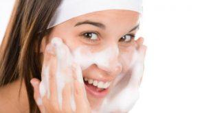 صور طريقة لتنظيف البشرة , الوجه اهم جزء في نظام العناية بالبشرة