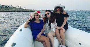 صورة بنات في البحر, الاستمتاع بالبحر