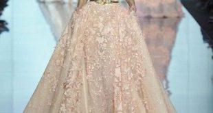 صورة فساتين ملكه, أنواع أقمشة الفساتين